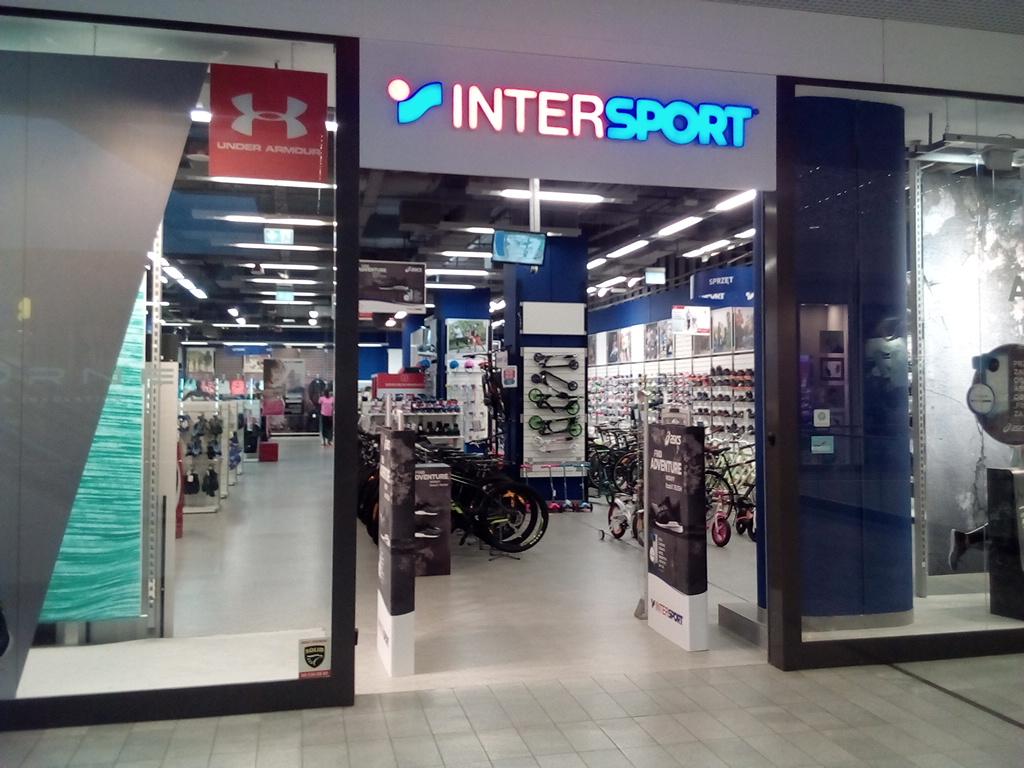 Znajd najbli szy sklep intersport intersport polska s a for Intersport salon